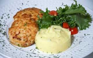 Рецепт котлет из фарша говядины и свинины с добавлением курицы, сыра и манки