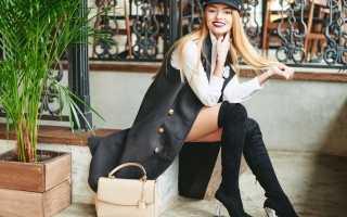 Женские замшевые ботфорты – серые, черные, бежевые, синие, на каблуке и без, шпильке, танкетке