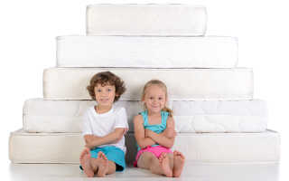 Как выбрать матрас для ребенка, какой матрас лучше? Ортопедические матрасы для детей, матрас с пружинами, гипоаллергенный матрас для ребенка