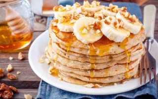Овсяные оладьи из хлопьев, муки и отрубей – рецепты с яблоками или бананом