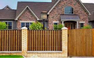 Деревянные заборы для дачи и частного дома, дизайн – виды и варианты