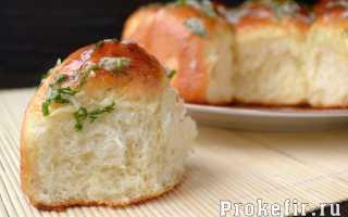 Пампушки с чесноком – рецепты теста на дрожжах, с молоком или на кефире, из ржаной муки и с сыром