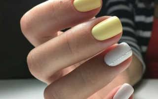 Модный белый маникюр 2020 – на короткие и длинные ногти, со стразами, лунками, рисунком, фальгой, блестками, камифубуки, декором, французский